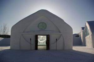 The ice chapel at Canada's Hôtel de Glace.